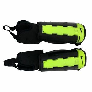 Nike Charge Adult Soccer Shin Pads